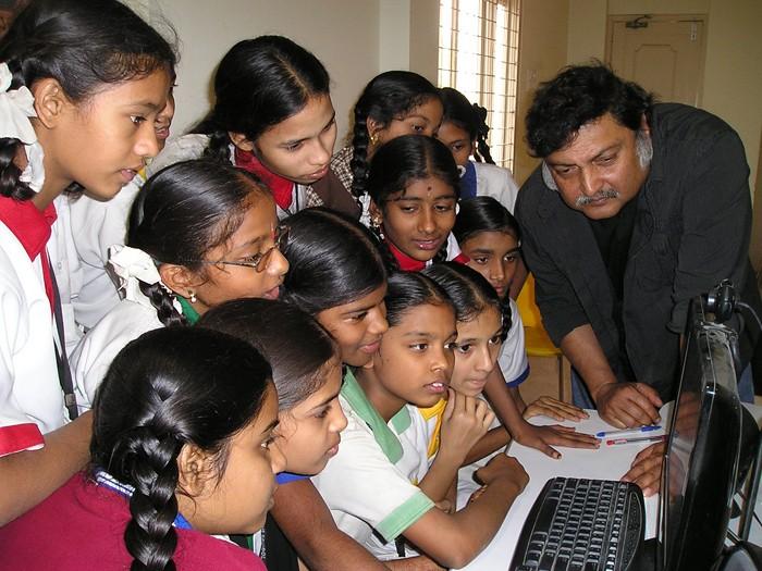 Ученый и просветитель Сугата Митра: «Дай ребенку компьютер — и он за полчаса разберется в теории относительности»